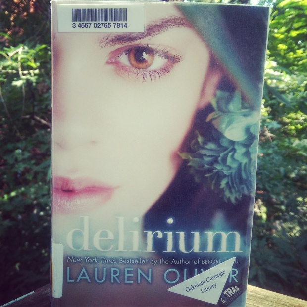 Why you should read Delirium by Lauren Oliver! #BookReview #YoungAdult via J Seeks Joy